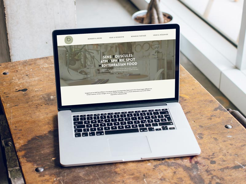 ordenador con la web Coclé